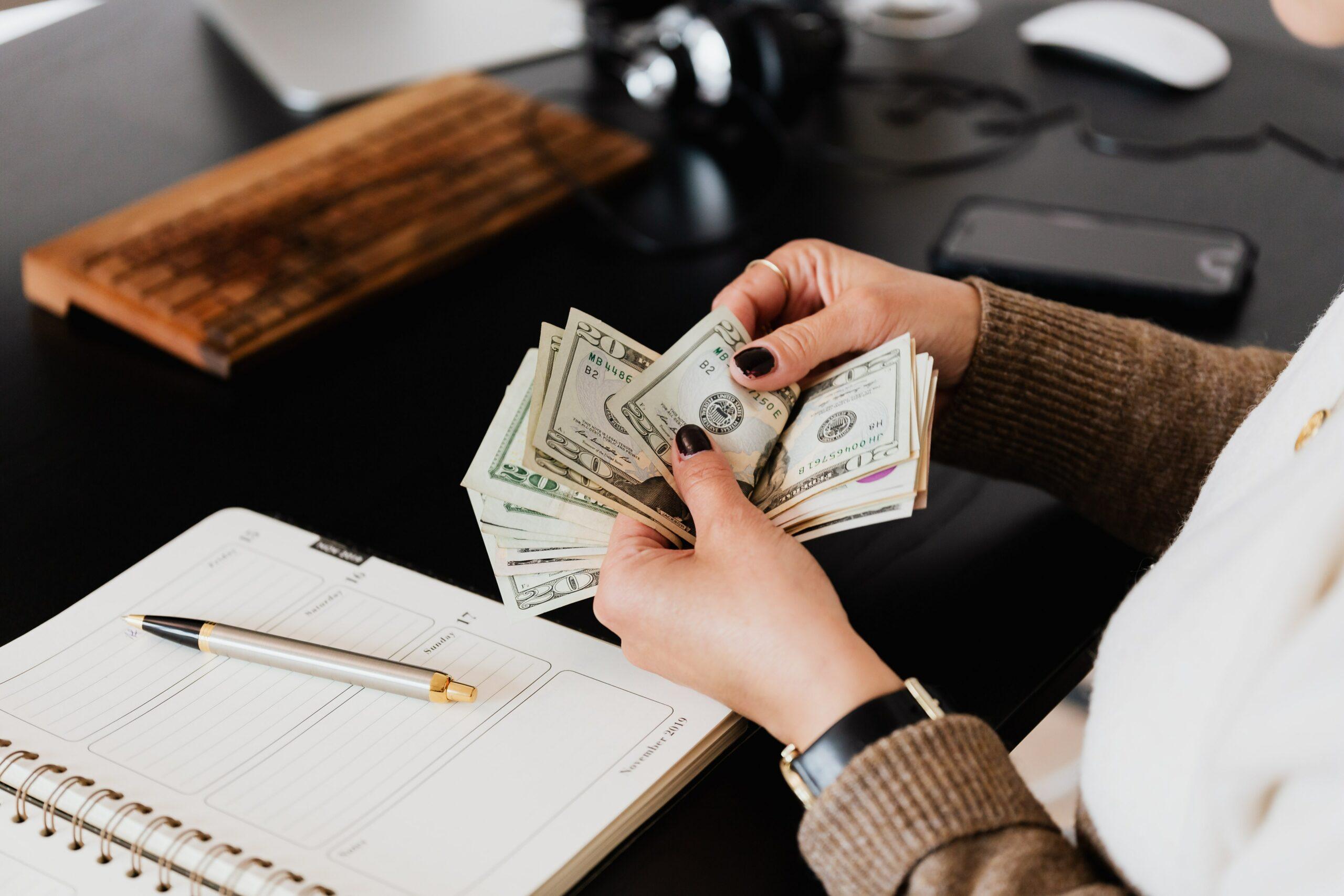 argent-billet-emploi-en-ligne